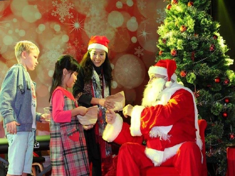 Dịch vụ Ông Già Noel phát quà giáng sinh tại TP Vinh Nghệ An